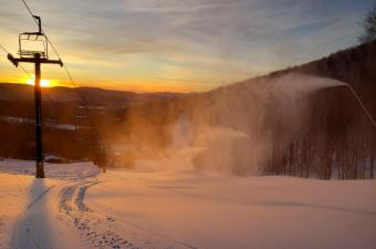 Snowmaking at Plattekill